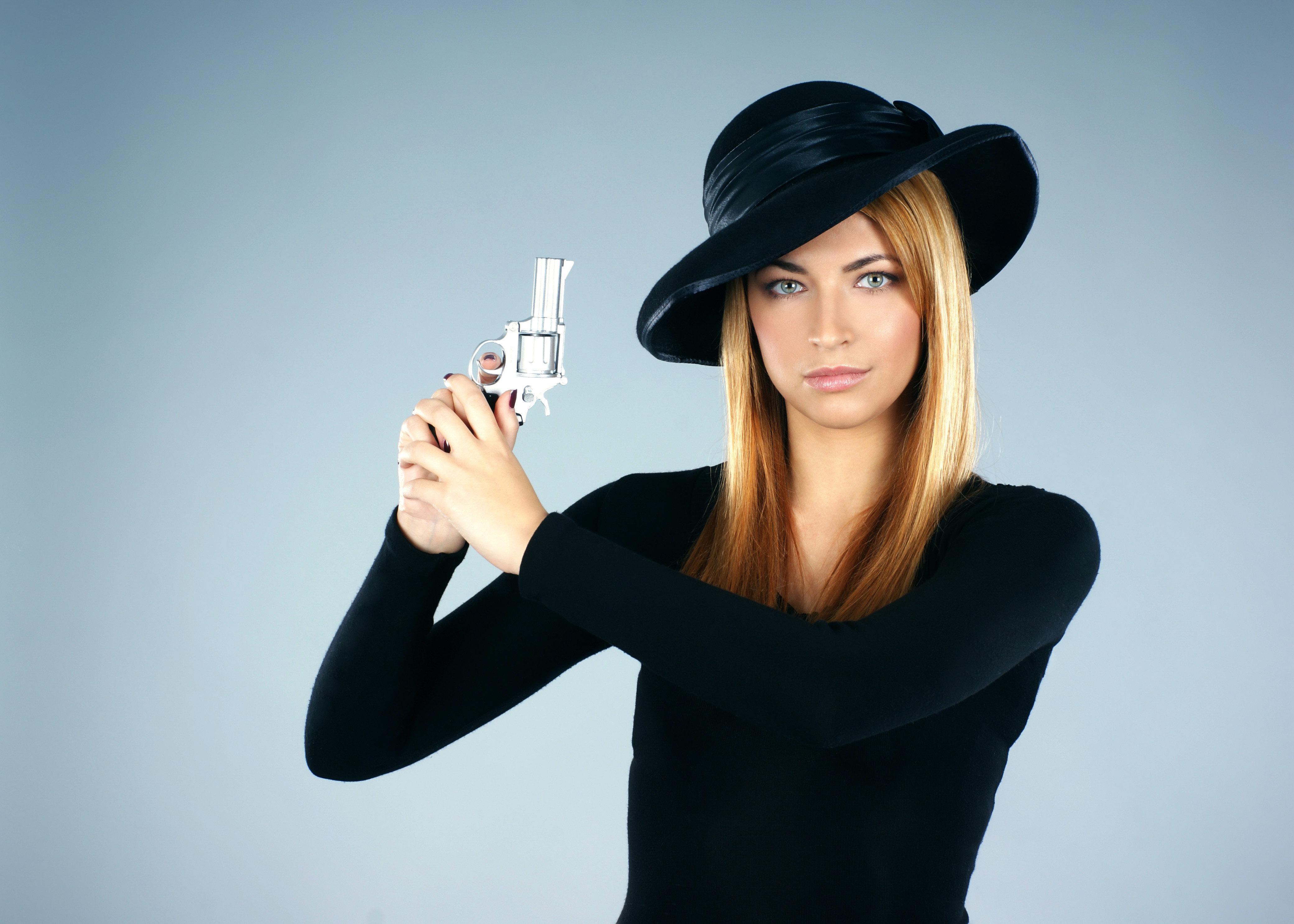 Знаменитые девушки детективы