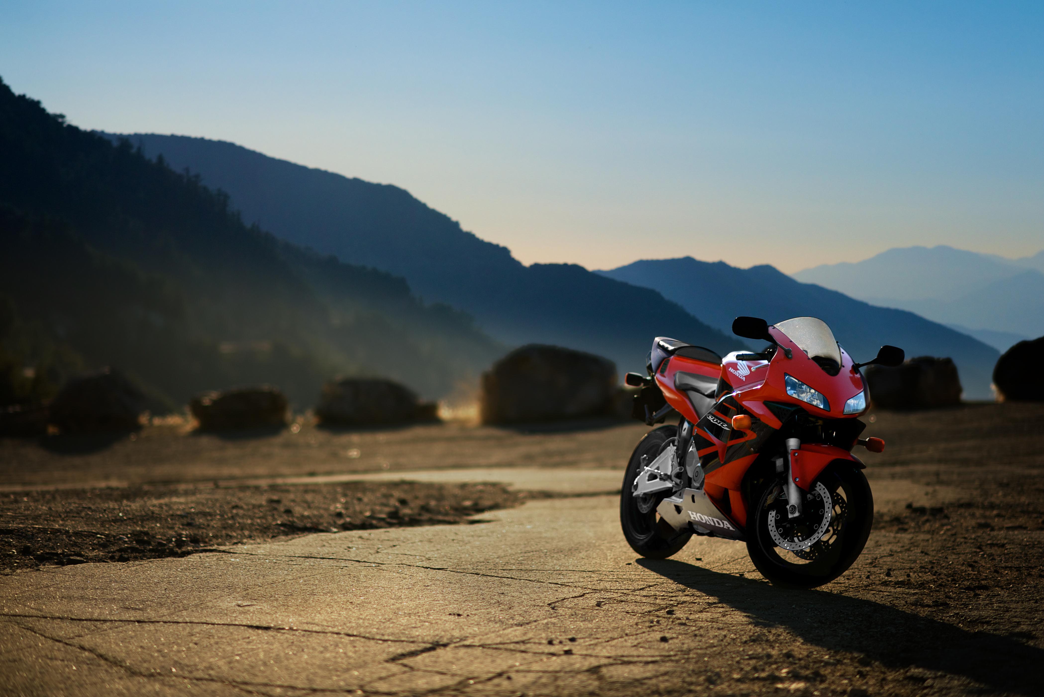 мотоцикл снег красный  № 778111 бесплатно