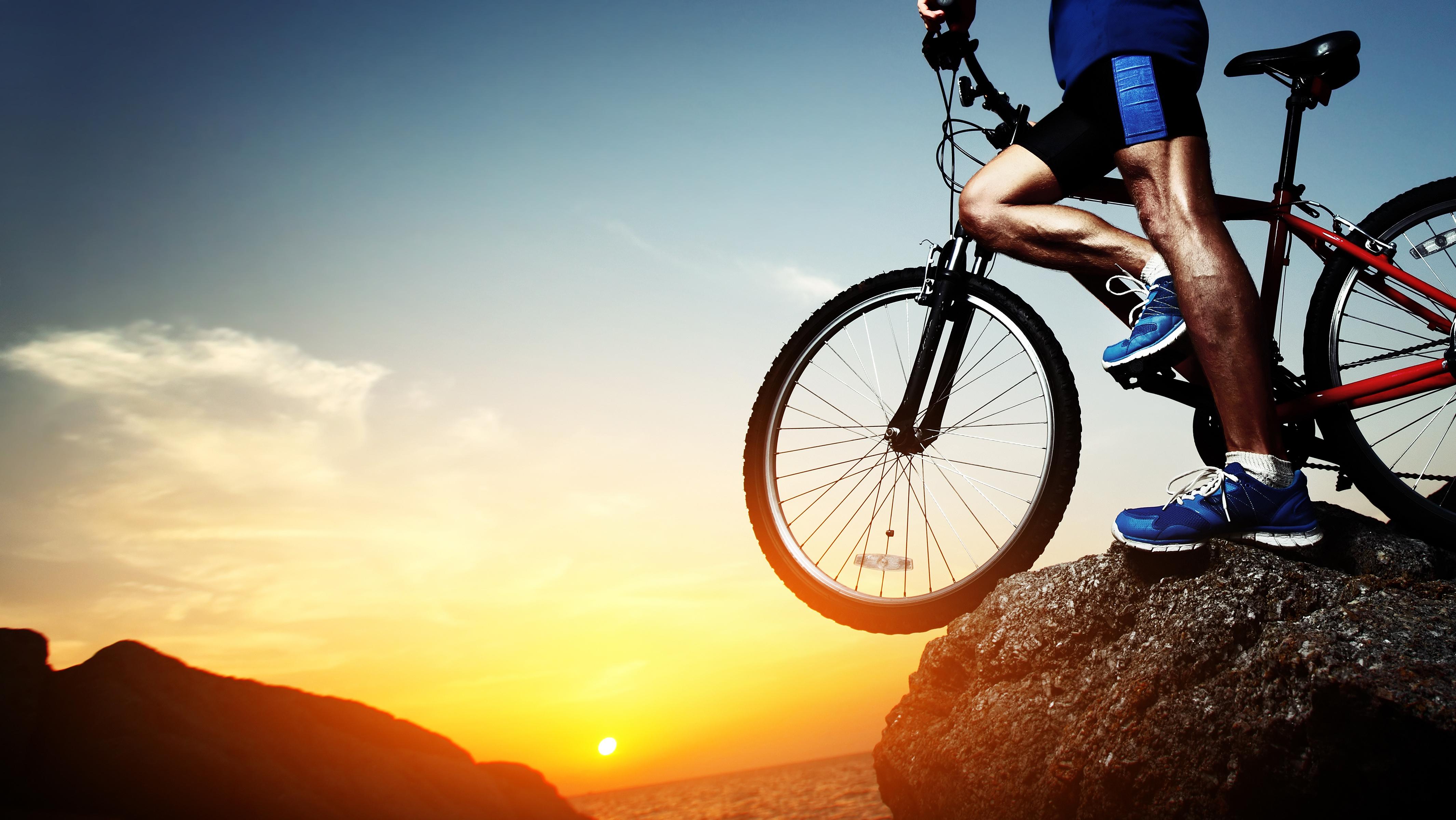 спорт велосипед споротсмен мужчина  № 1633583  скачать