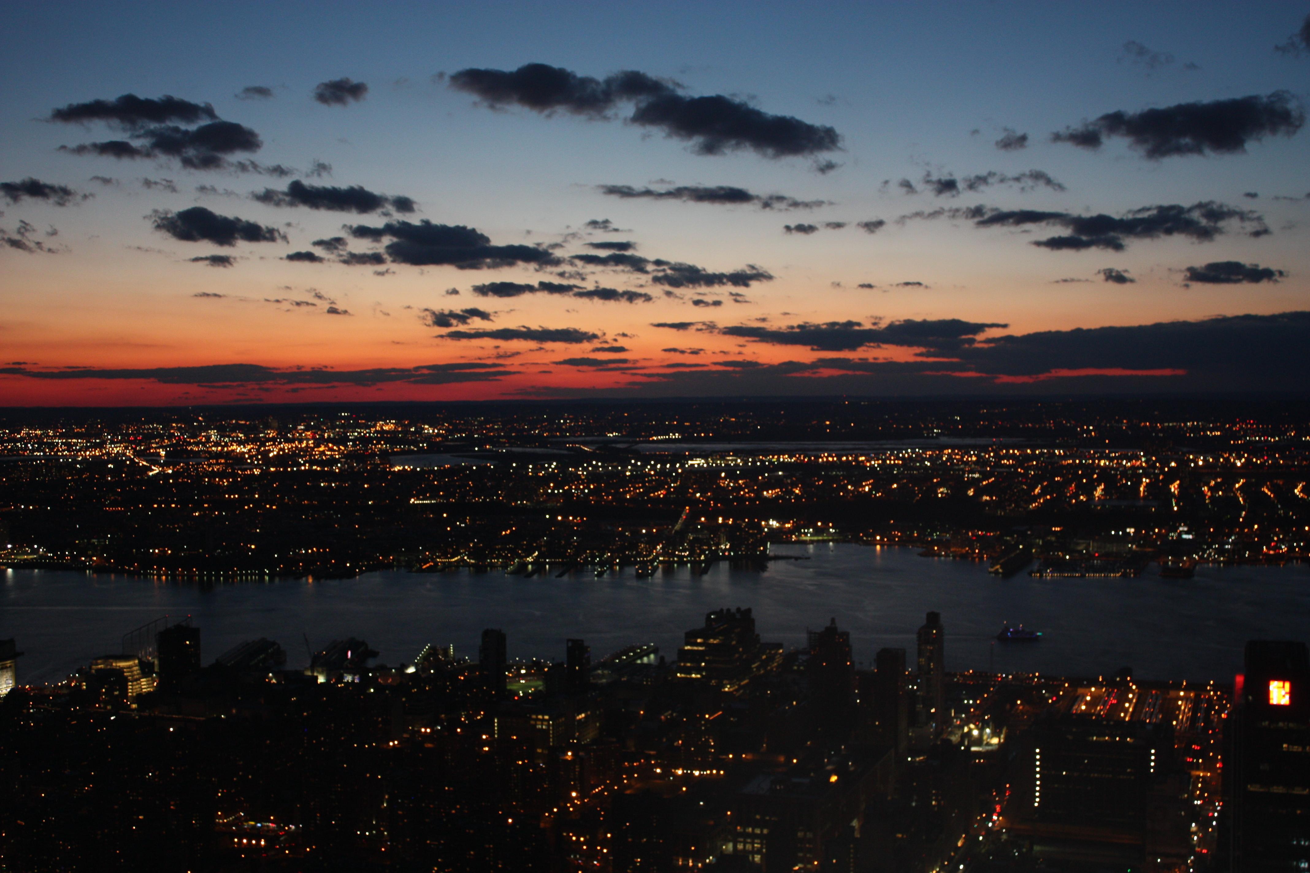 Картинки с видом заката виды города на закате