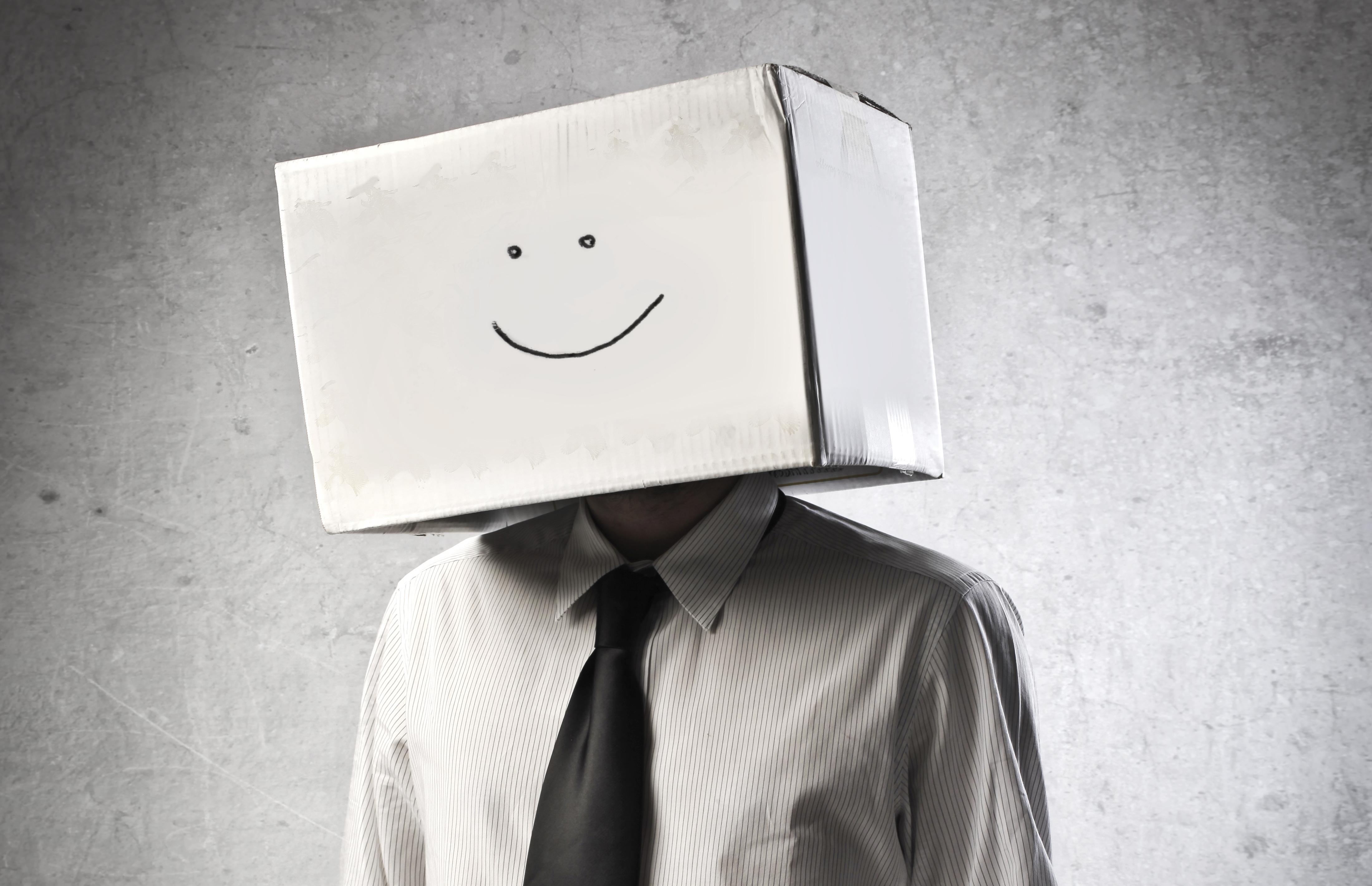 Картинки человек с коробкой на голове