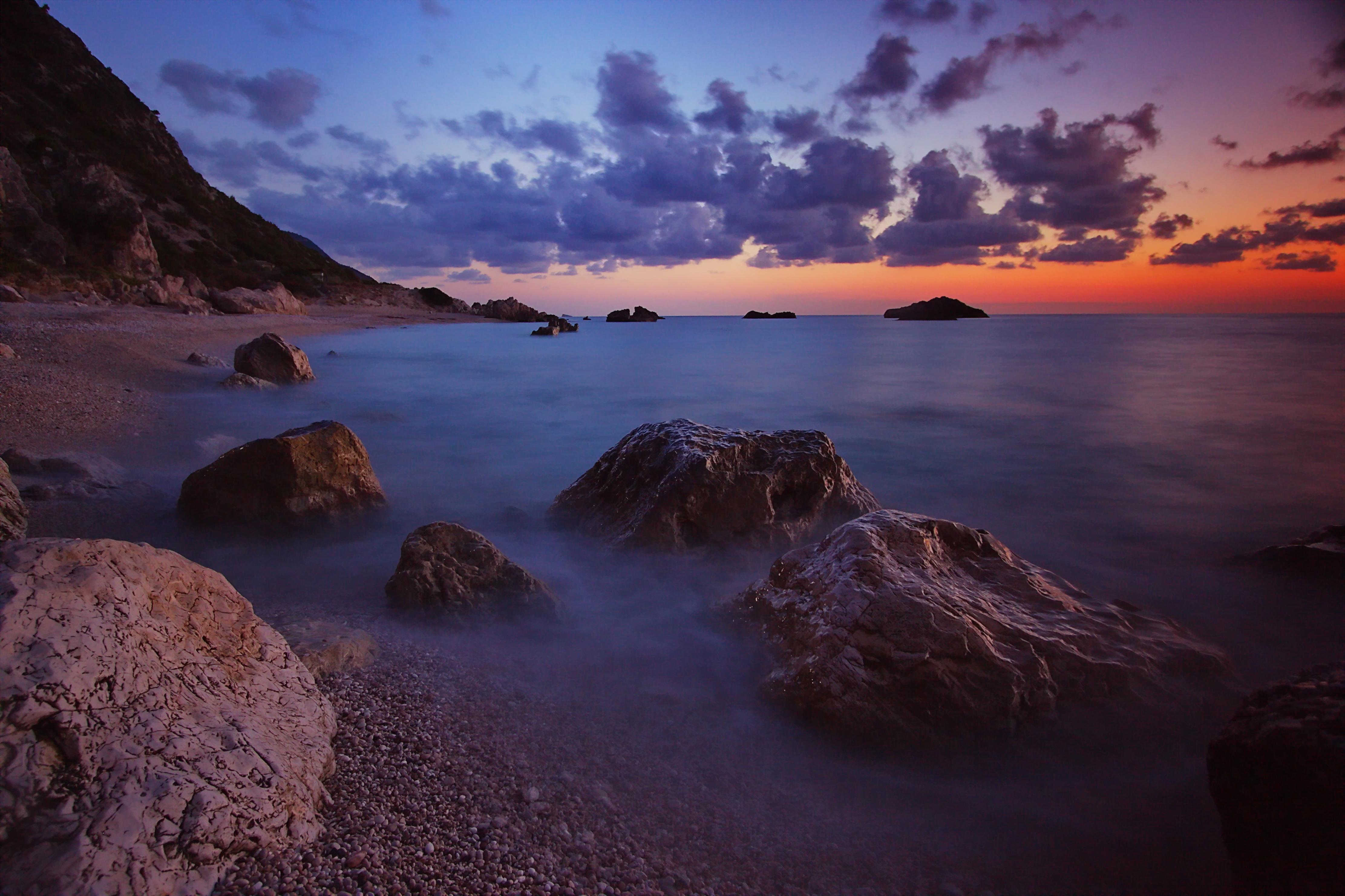природа море горизонт камни облака небо скалы  № 432397  скачать