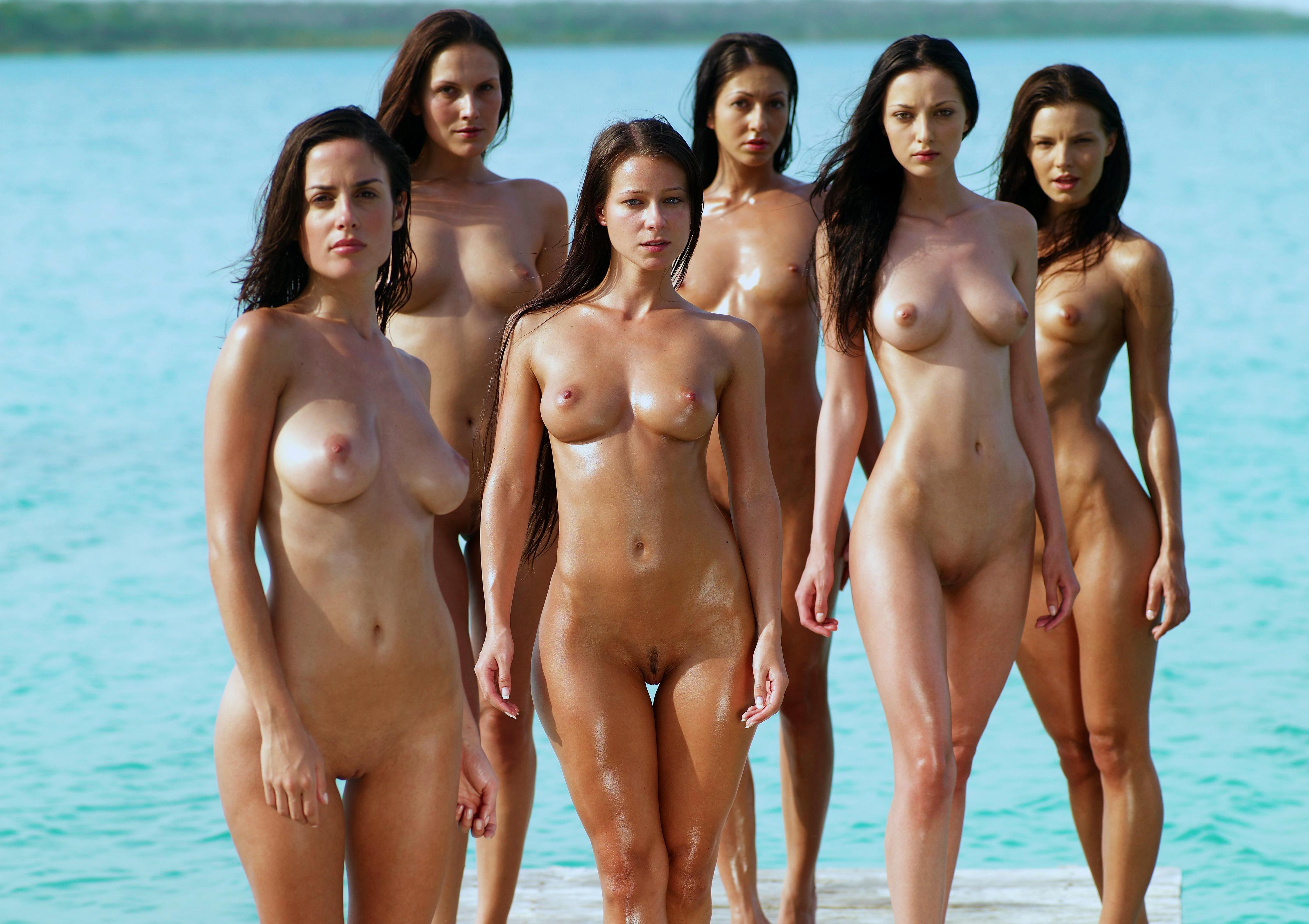 Молотки девки голые