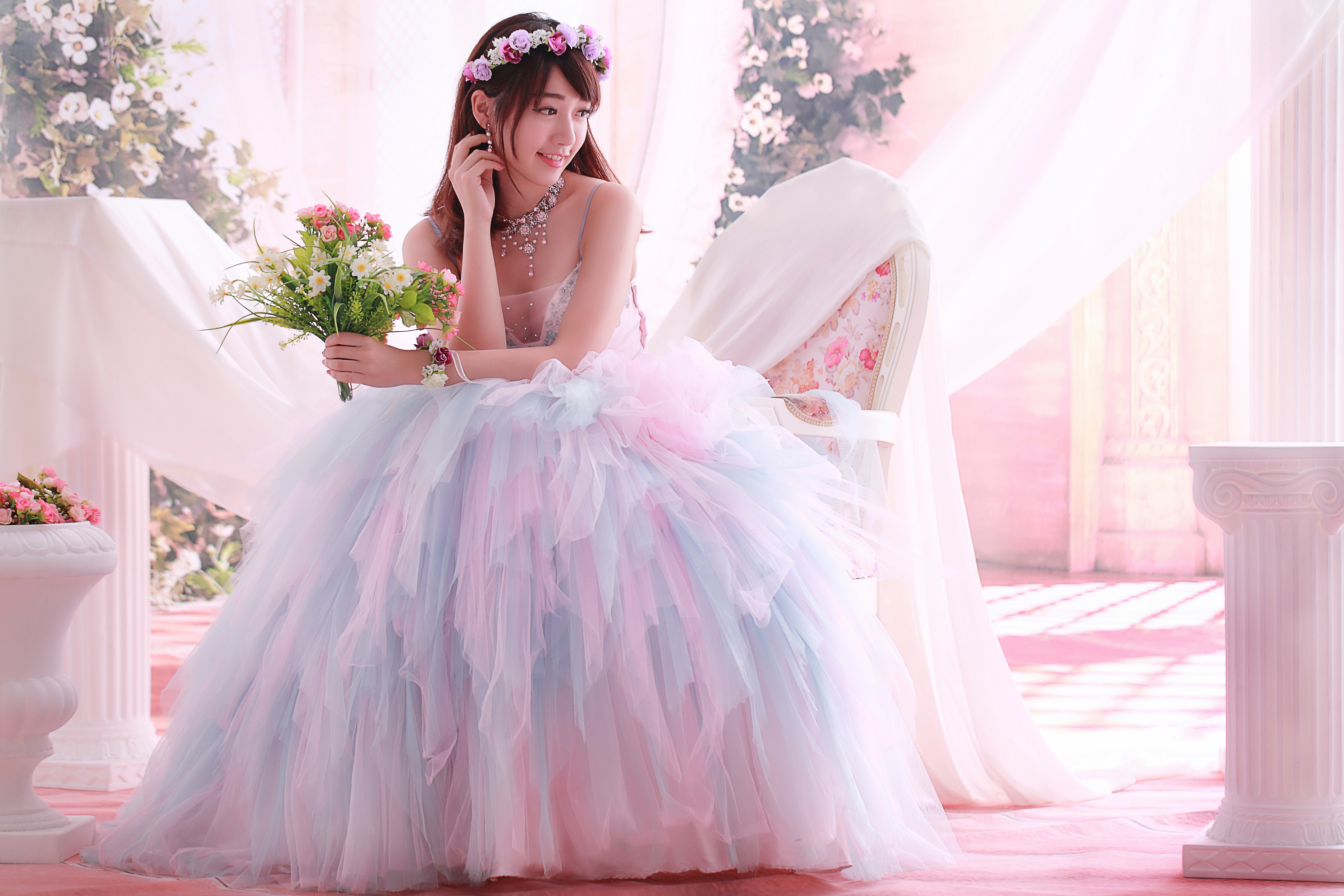 пишут, фотосессия в свадебных нарядах маяков позволяет ровно