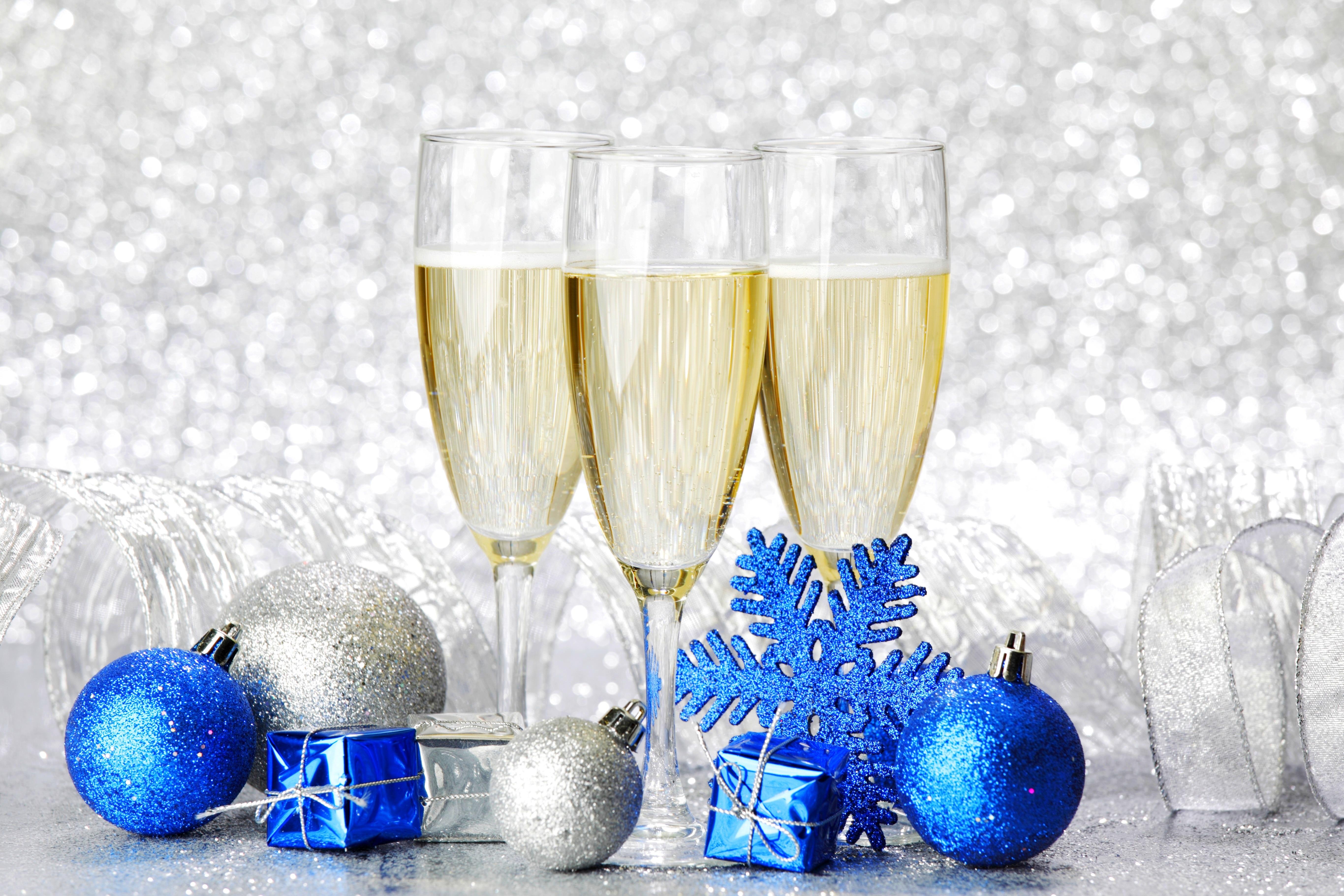 шампанское в снегу картинки нужно