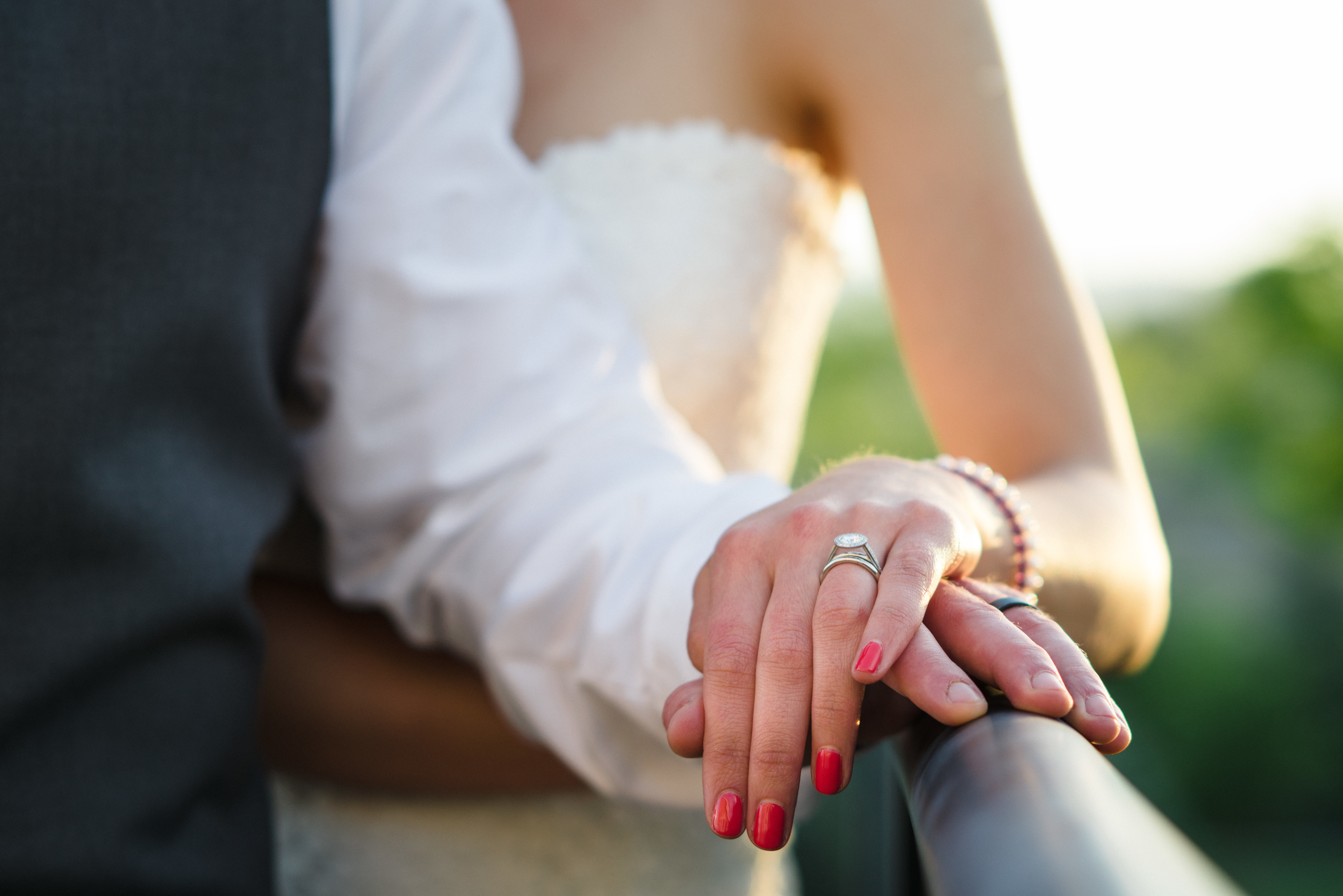 Жених невеста свадьба руки маникюр