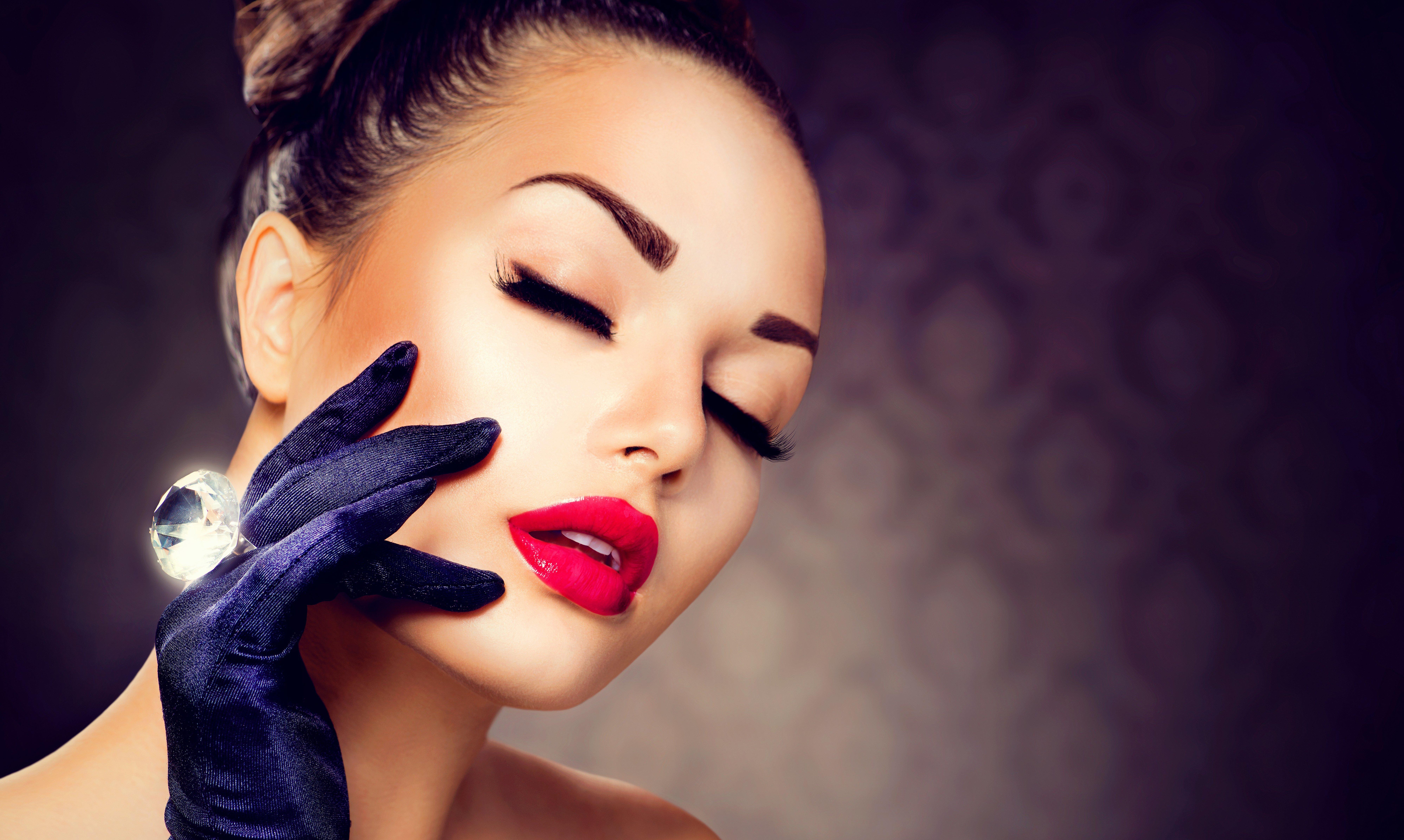 Шикарная женщина макияж
