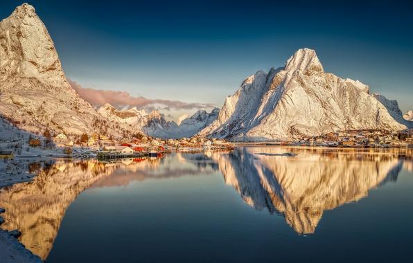Картинка горы, отражение, деревня, Норвегия, Norway, фьорд, Нурланн, Лофотенские острова, Reine, Lofoten archipelago, Рейне, Nordland