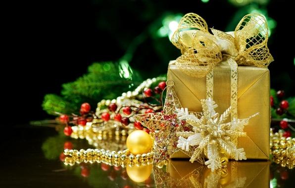 Картинка отражение, праздник, подарок, новый год, лента, подарки, бусы, золотой, золотистый, бантик, ленточка, happy new year, …