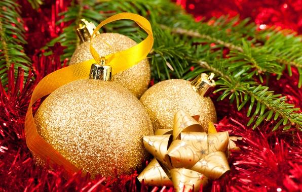 Картинка дождик, шарики, красный, шары, елка, Новый Год, Рождество, мишура, Christmas, золотые, ленточки, New Year