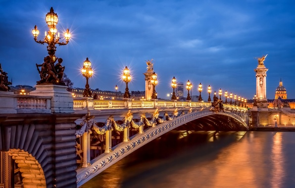 Картинка свет, город, река, Франция, Париж, вечер, освещение, фонари, Сена, Paris, France, Мост Александра III, Pont …