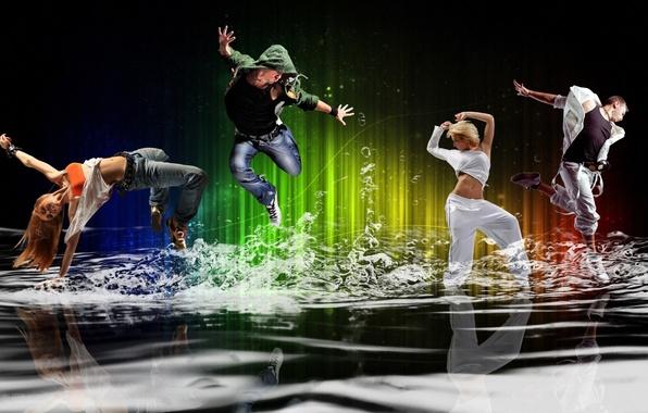 Картинка энергия, вода, девушка, брызги, пузыри, движение, люди, настроение, танец, парень, молодежь