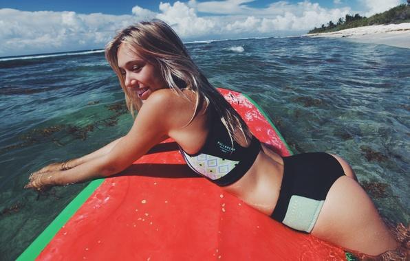 Картинка море, пляж, девушка, улыбка, доска, красивая, Alexis Ren