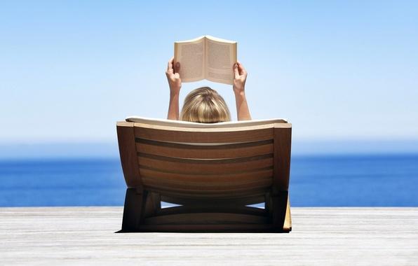 Картинка море, пляж, небо, вода, девушка, природа, блондинка, лежит, книга