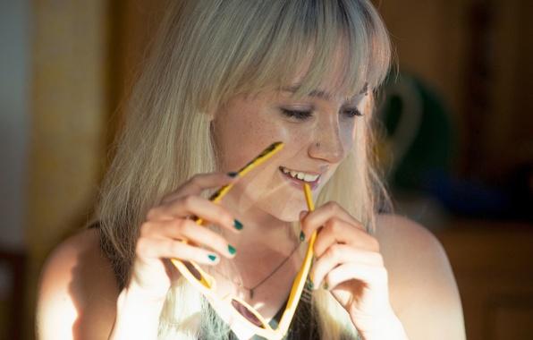 Картинка улыбка, актриса, очки, блондинка, Saoirse Ronan, Сирша Ронан, How I Live Now