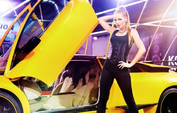 Картинка машина, авто, поза, модель, фигура, корсет, Sina Mai