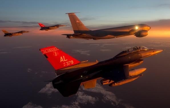 Картинка небо, облака, полет, истребитель, F-16, Fighting Falcon, многоцелевой, «Файтинг Фалкон»