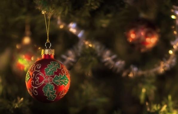 Картинка красный, узор, игрушка, новый год, шар, ель, фокус, ёлка, мишура