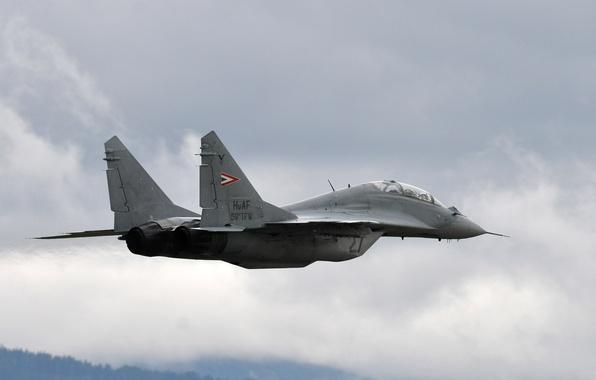 Картинка Небо, Облака, Фото, Самолет, Полет, Истребитель, Высота, Многоцелевой, Миг-29