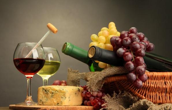 Картинка вино, сыр, бокалы, бутылки, грозди винограда