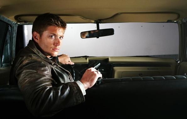 Картинка Supernatural, Jensen Ackles, Сверхъестественное, брюнет, дин, Дженсен Эклс, актер. машина