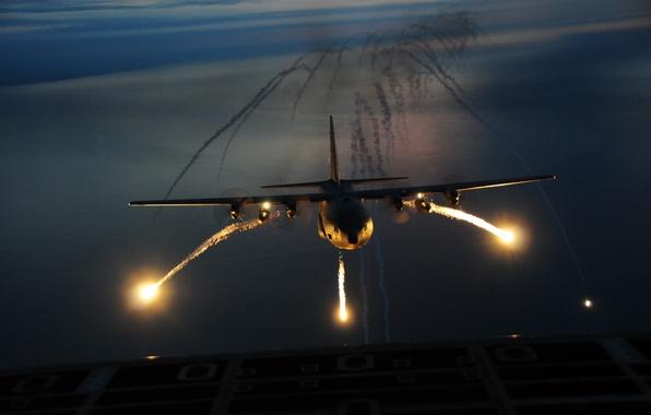 Картинка ночь, самолёт, аэродром, взлёт, вспышки, Геркулес, С-130