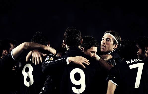Картинка люди, чёрный, футбол, спорт, игра, цифры, цифра, команда, sport, парень, парни, испания, номера, роналдо, spain, …