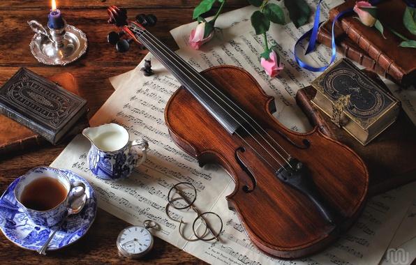 Картинка ноты, чай, скрипка, часы, книги, розы, молоко, очки, натюрморт