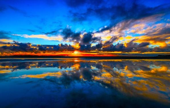 Картинка море, небо, облака, закат, отражение, побережье