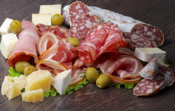 Картинка зелень, сыр, оливки, колбаса, бекон, ассорти