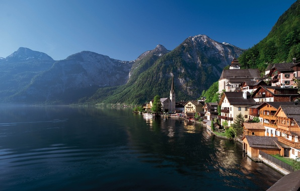 Картинка лес, лето, горы, озеро, берег, дома, городок, Austria, Hallstatt