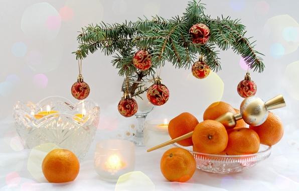 Картинка ветки, стол, праздник, елка, новый год, посуда, фрукты, happy new year, holiday, мандарины, елочные шары, …