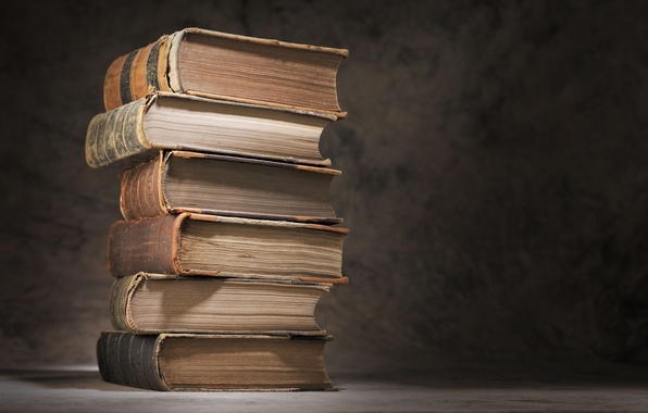 Картинка макро, стол, книги, размытость, стопка, книжки, старинные, боке, шикарные, books, знания, wallpaper., фолианты, а неученье ...