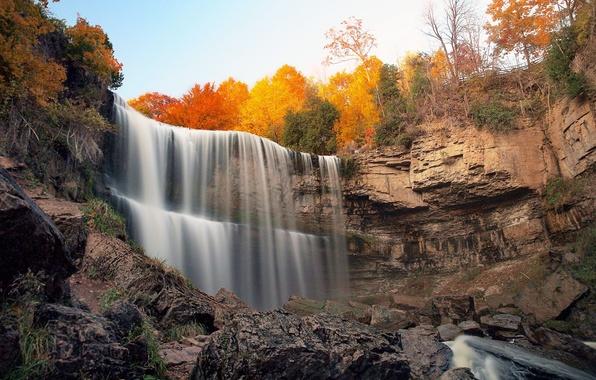 Картинка осень, лес, небо, деревья, камни, скалы, водопад, поток