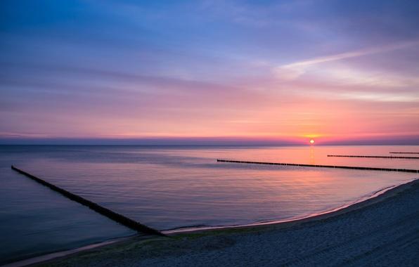 Картинка небо, солнце, облака, рассвет, берег, утро, Озеро, заря