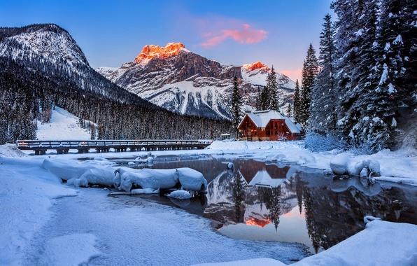 Картинка зима, небо, снег, пейзаж, природа, дом, отражение, река, house, white, белые, river, sky, landscape, nature, …