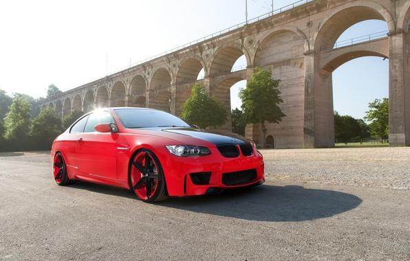 Картинка красный, bmw, бмв, купе, тень, red, wheels, диски, блик, e92