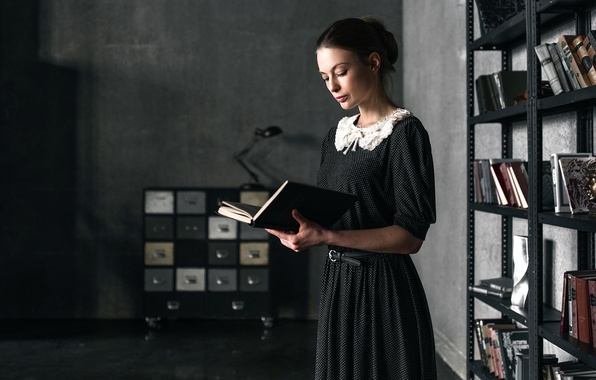 Картинка девушка, ретро, книги, платье, винтаж