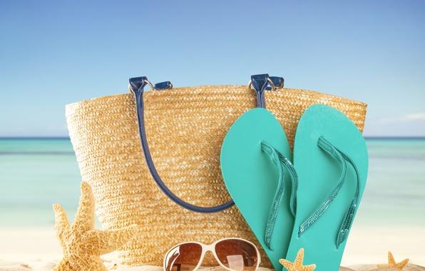Картинка песок, море, пляж, лето, солнце, отдых, очки, summer, сумка, beach, каникулы, sea, sun, сланцы, vacation, …