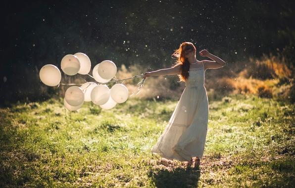 Картинка лето, девушка, солнце, шарики, платье