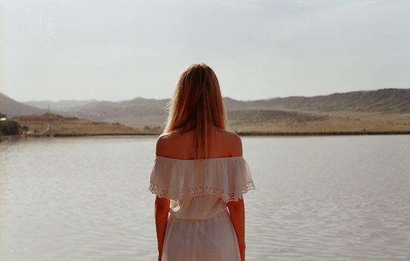 Картинка girl, dress, lake, hair