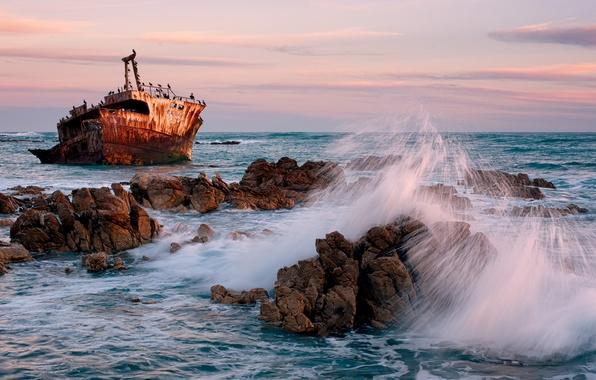 Картинка море, волны, пейзаж, закат, скалы, корабль