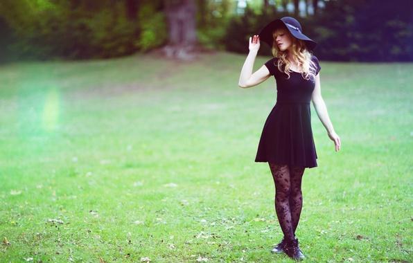 Картинка лето, девушка, лицо, волосы, шляпа, платье, ножки