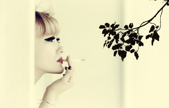 Картинка девушка, настроение, ветка, сигарета, губная помада, Ozge Aslan, I Can`t Smoke