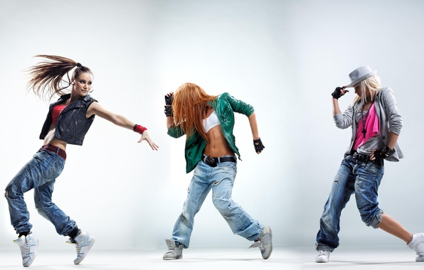 Картинка движение, девушки, джинсы, куртка, танцы, girls, кроссовки, hip-hop, dance, dancer, позы, rnb, dancing, одежда.стиль, танцоры