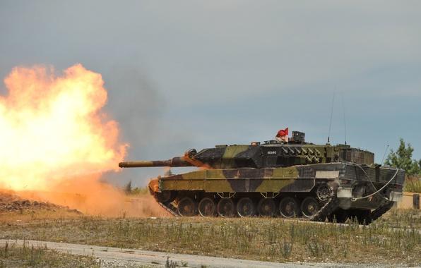 Картинка огонь, танк, полигон, боевой, бронетехника, Leopard 2