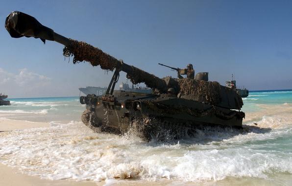 Картинка оружие, океан, обои, солдат, танк, ствол, wallpaper, пушка, танкист, десантный катер