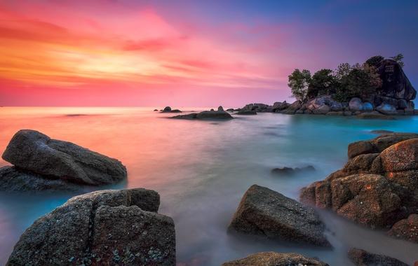 Картинка море, небо, облака, деревья, скала, камни, остров