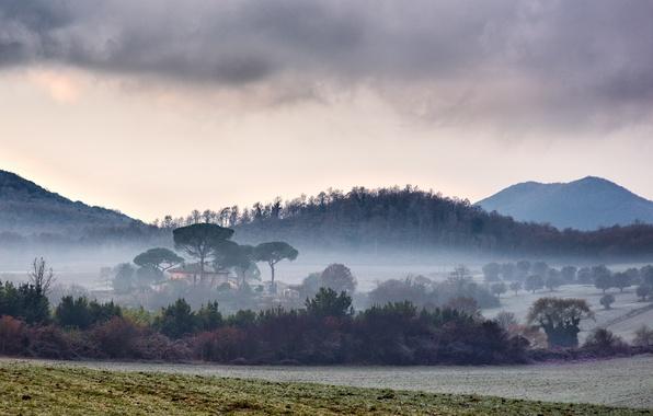 Картинка поле, горы, туман, Италия, field, Italy, mountains, fog, Lazio, Manziana, Лацио
