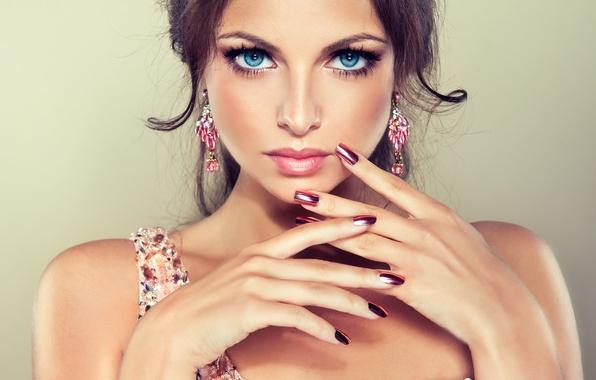 Картинка глаза, взгляд, девушка, улыбка, макияж, голубые, girl, blue eyes, маникюр, manicure, make-up, a smile, a …
